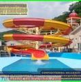 Parques acuaticos con piscinas kamikaze